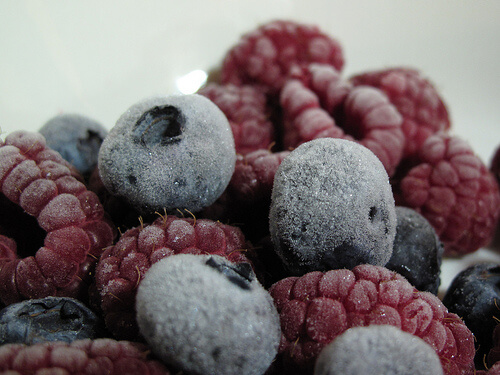 Many have become sick after eating organic frozen berries. (CREDIT: Flickr/~Bob~West~)