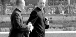 Priests rome e