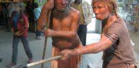 px Neandertala homo modelo en Neand muzeo
