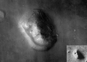 800px-Face_on_Mars_with_Inset