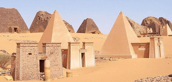 The pyramids of Sudan, Meroe. Credit: Wikimedia Commons