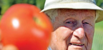 Tomatoes resistant to fungus and blight developed by 94-year-old West Virginia scientist