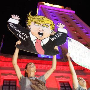 Anti Trump Holsten