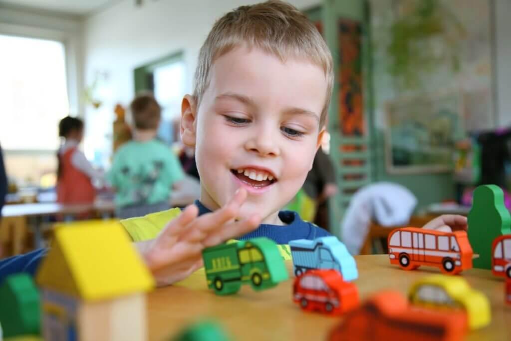 Diagnose Kids Autism Misdiagnosis Slideshow child playing with toys ts