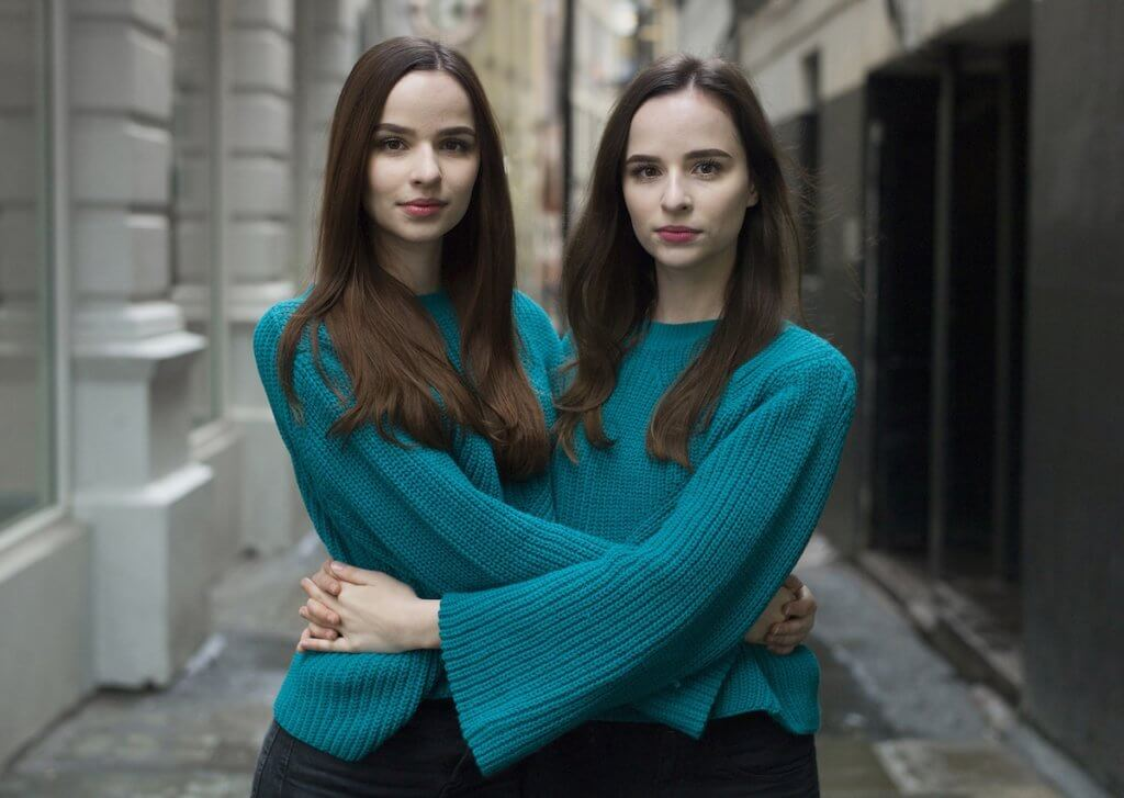 identical twins alike but not alike peter zelewski