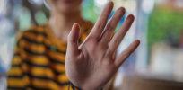 womans fingers al d f c d ddfd d f b