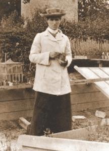Edith Rebecca Saunders