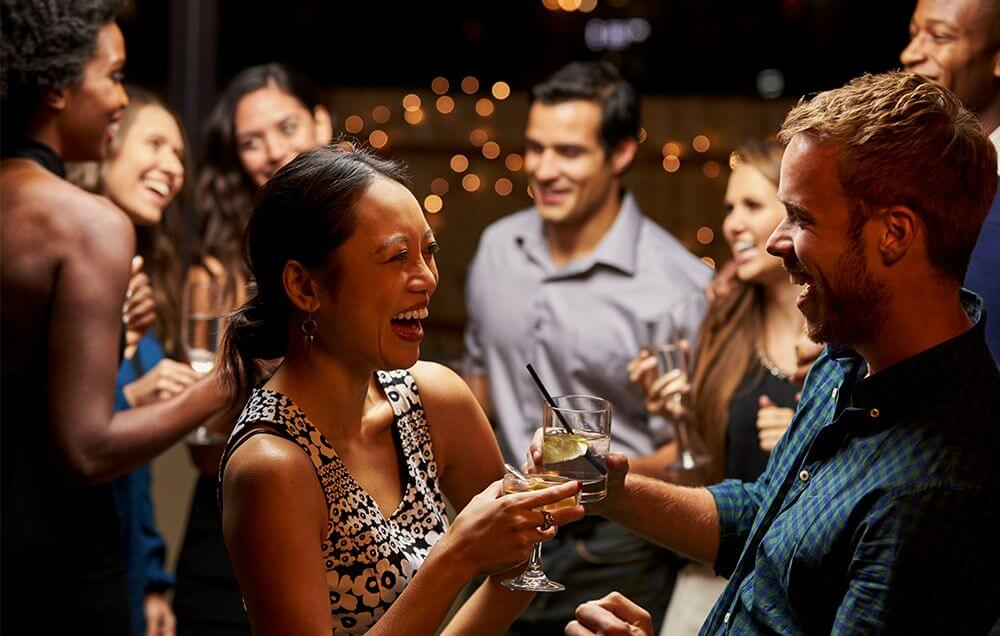 introvert or extrovert party conversation