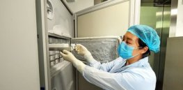 What do infectious disease experts say about the Wuhan lab leak COVID origins hypothesis?