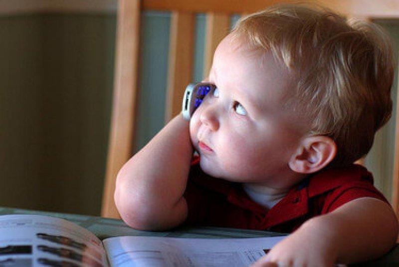 child cellphone medium idge